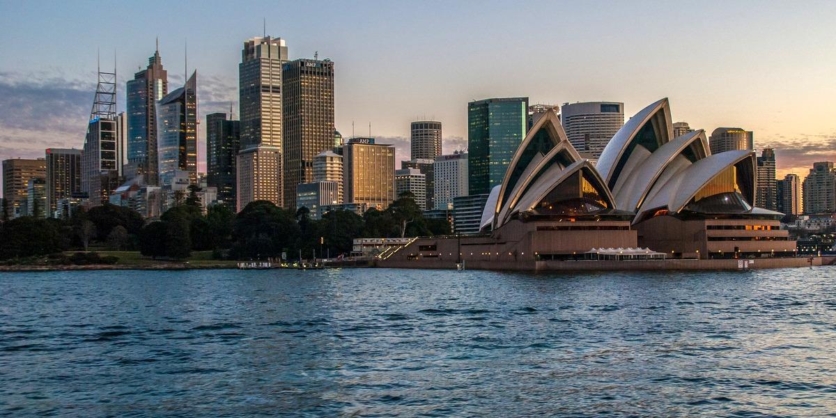 Vista desde el mar de la ciudad de Sidney, en Australia